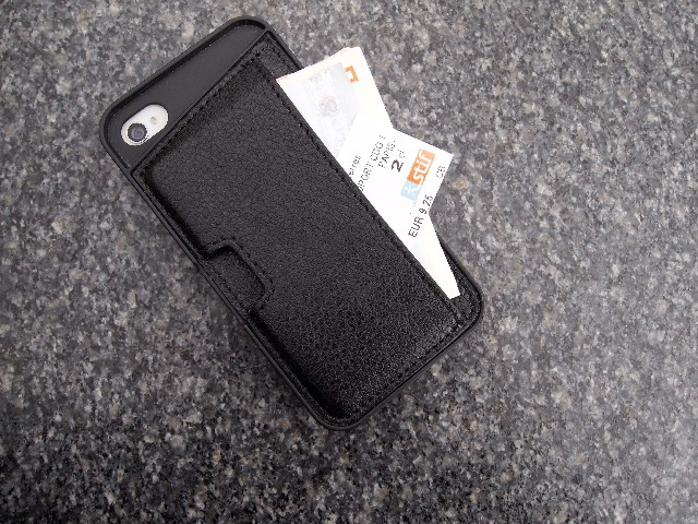 CM4 Q Card Case: The Ultimate Wallet Case?