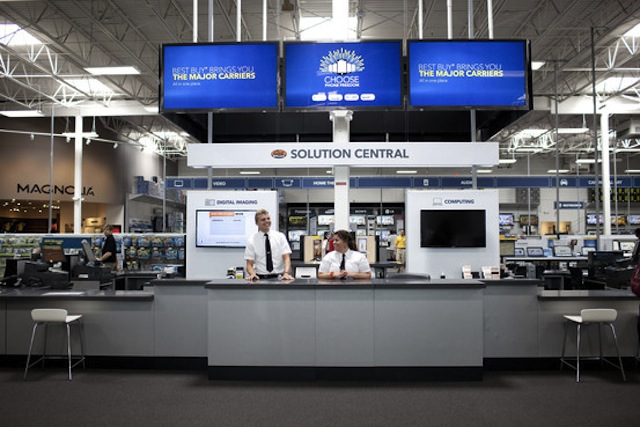 Best Buy Borrows Apple's Look
