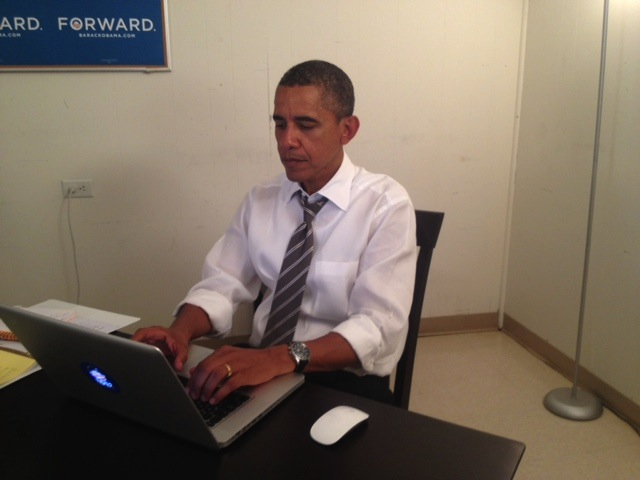 Obama Doing An 'Ask Me Anything' On Reddit From His MacBook Pro. Yep.